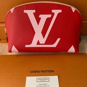 Louis Vuitton Bags - 😍Louis Vuitton POCHETTE COSME XL